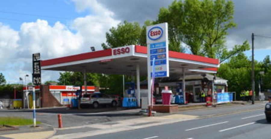 BP/M&S Service Station, 590-596 Didsbury Road, Heaton Mersey, SK4 3AT
